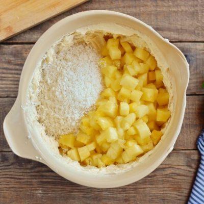 Pineapple & Coconut Cake recipe - step 6
