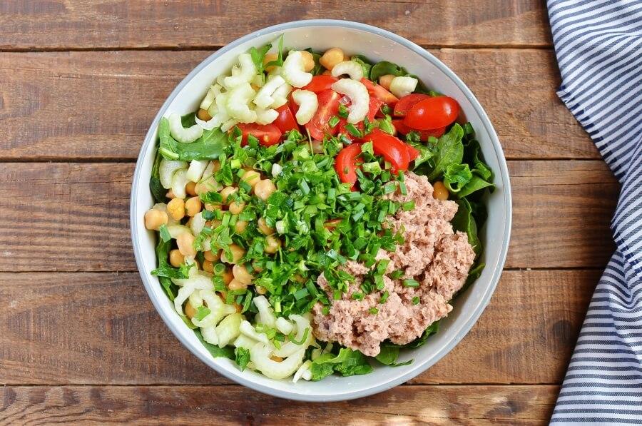 Quinoa, Tuna, and Chickpea Salad recipe - step 4
