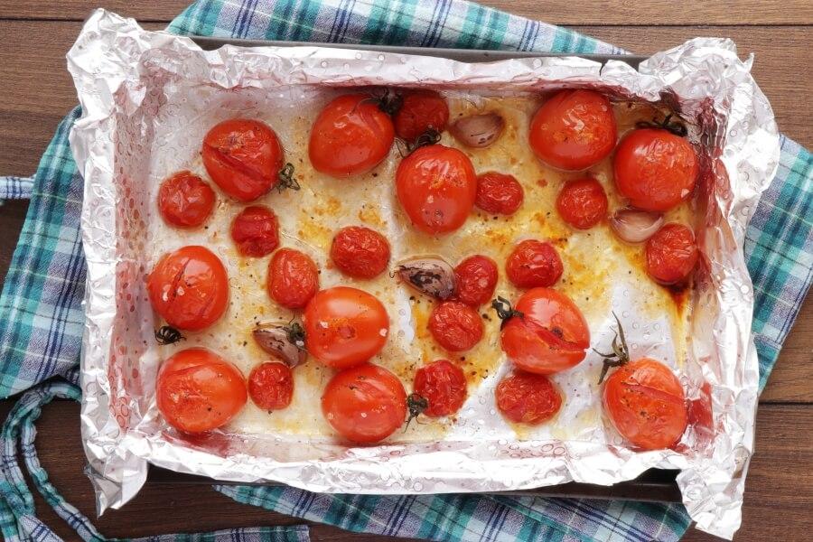 Roasted Tomato and Burrata Caprese Salad recipe - step 3