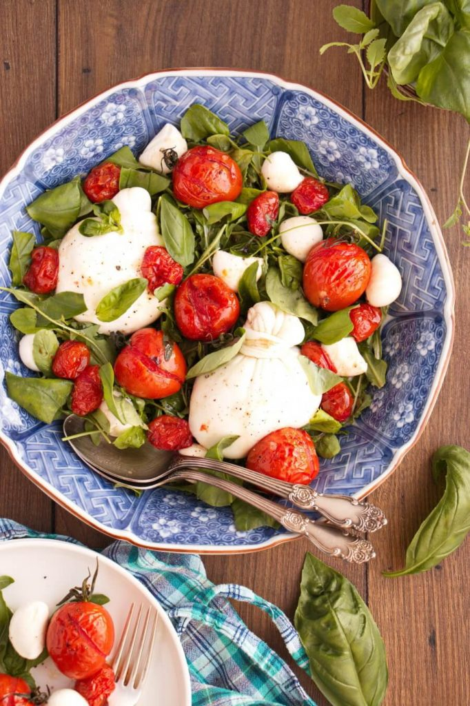 Caprese Salad with Arugula