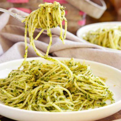 Vegan Wild Garlic Pasta Recipe-Quick Spring Pasta-Creamy Spring Pasta