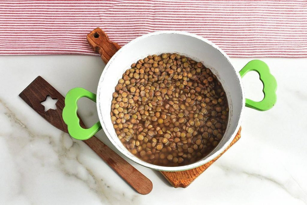 30 Minute Spicy Lentil Bolognese recipe - step 1