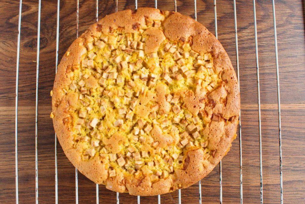Sharlotka (Russian Apple Cake) recipe - step 8