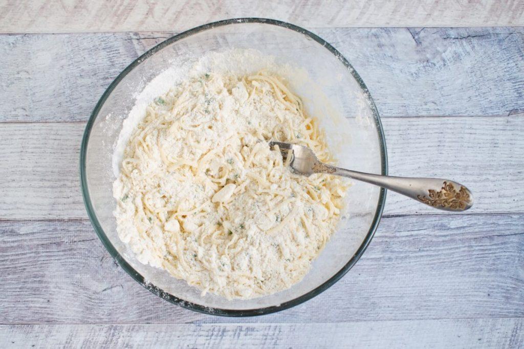 Cheddar Chive Biscuits recipe - step 4