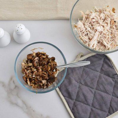 Chicken and Mushroom Crepes recipe - step 10