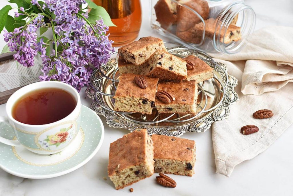 How to serve Chocolate Chip Banana Bread Blondies
