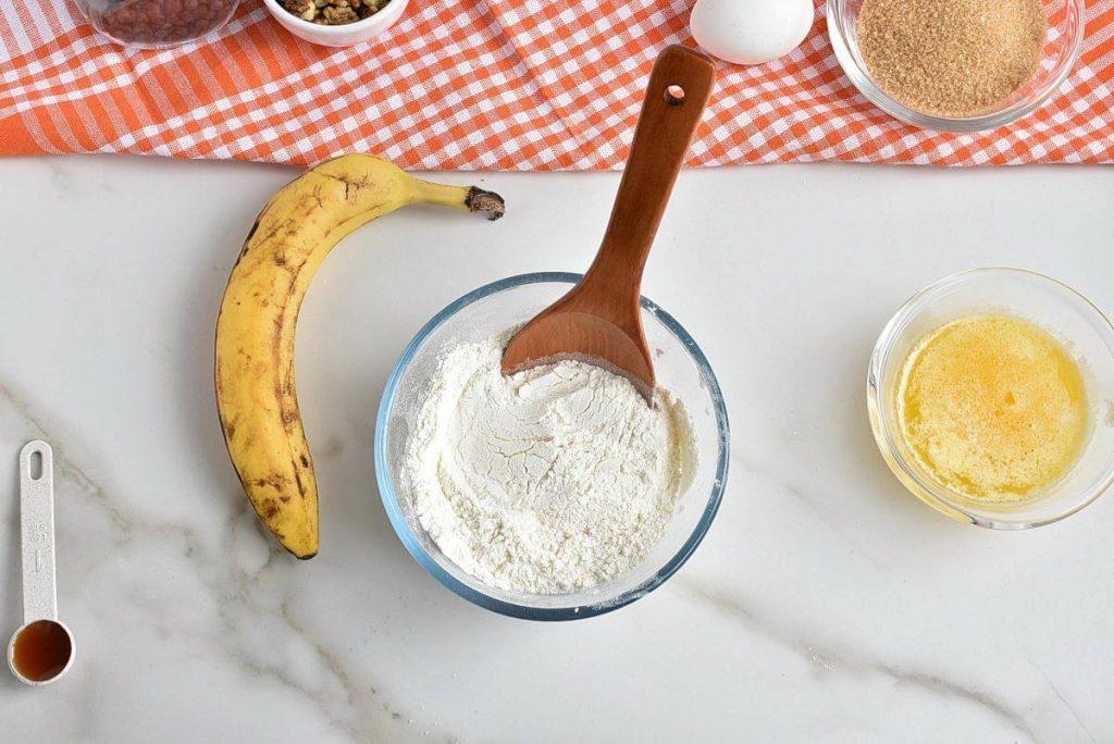 Chocolate Chip Banana Bread Blondies recipe - step 2