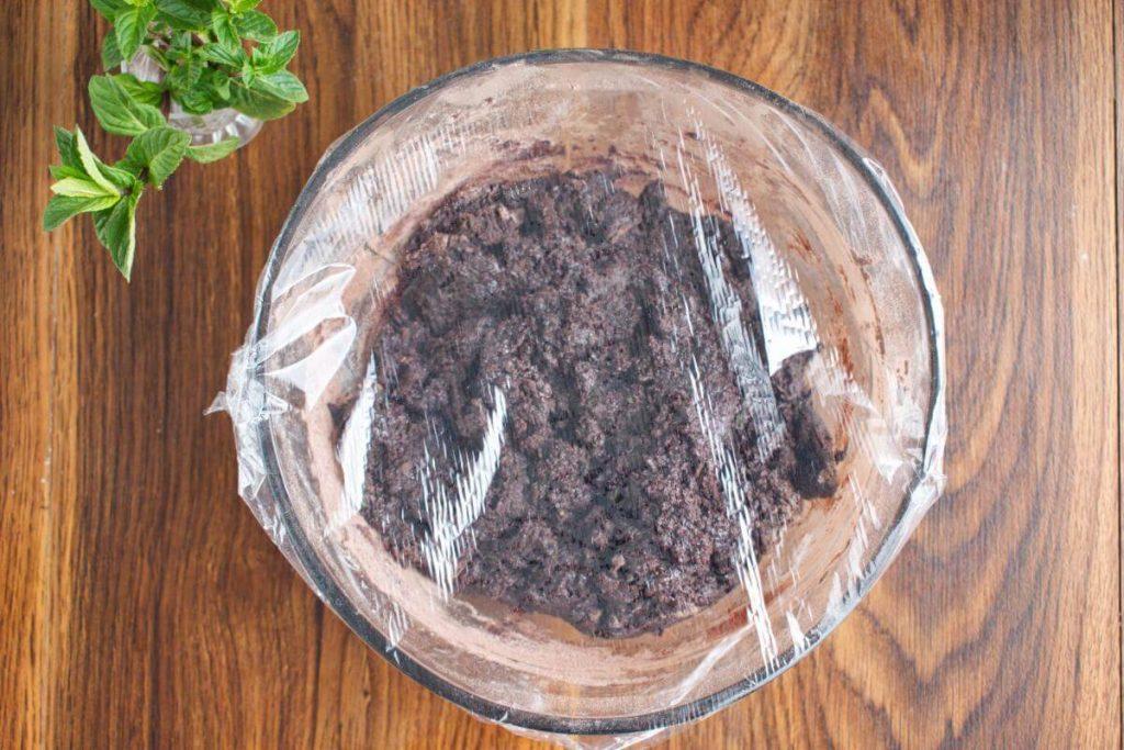 Chocolate Mint Crinkle Cookies recipe - step 7