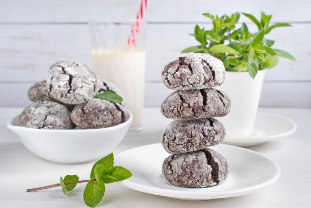 How to serve Chocolate Mint Crinkle Cookies
