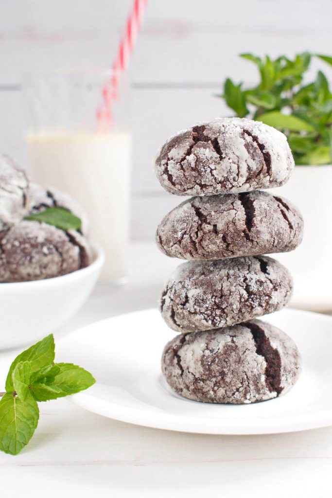 Chocolate cookies with a hint of mint