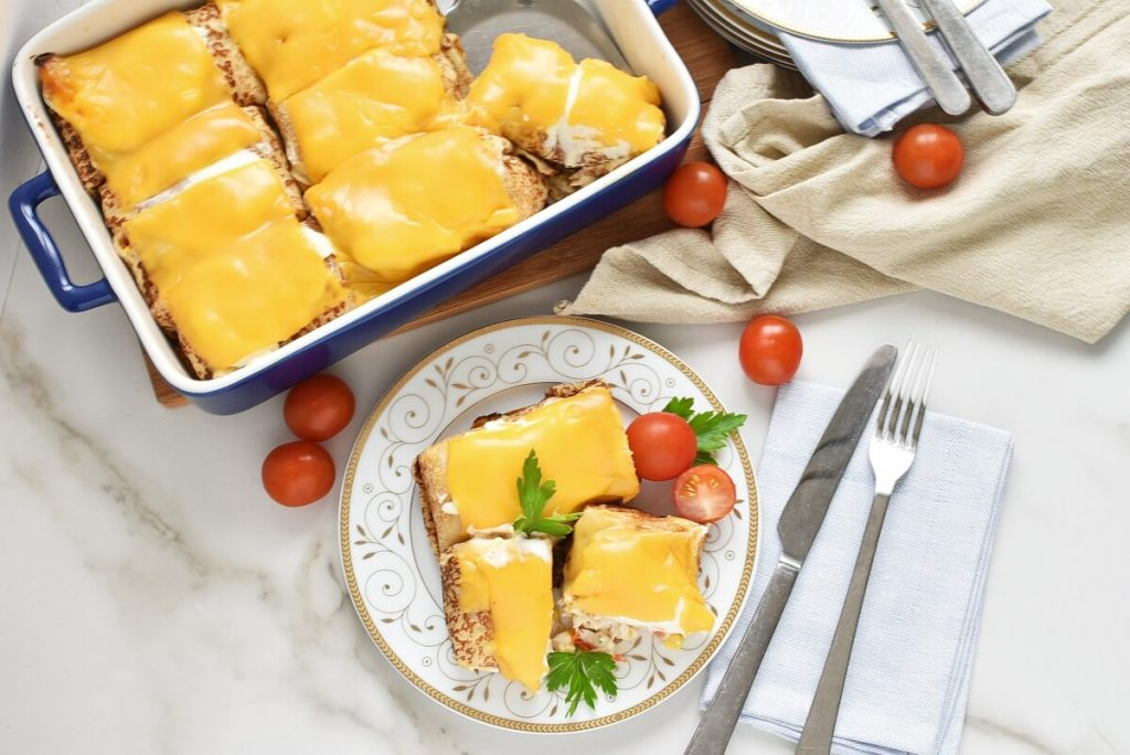 How to serve Crêpes Stuffed with Chicken & Cream Cheese