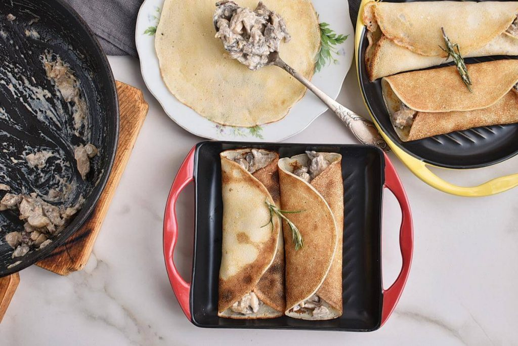 How to serve Vegan Creamy Mushroom Crepes