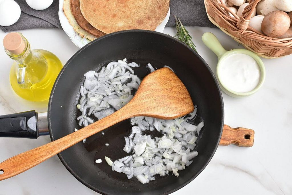 Vegan Creamy Mushroom Crepes recipe - step 3