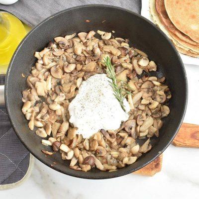 Vegan Creamy Mushroom Crepes recipe - step 5