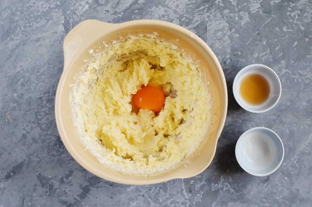 Jam-Filled Thumbprint Cookies recipe - step 3