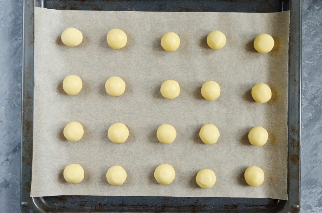 Jam-Filled Thumbprint Cookies recipe - step 5
