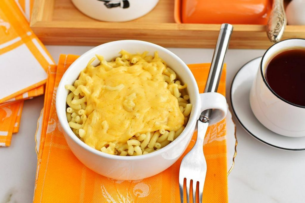 How to serve Mac and Cheese in a Mug