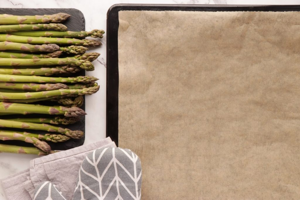 Maple Oven-Roasted Asparagus recipe - step 1