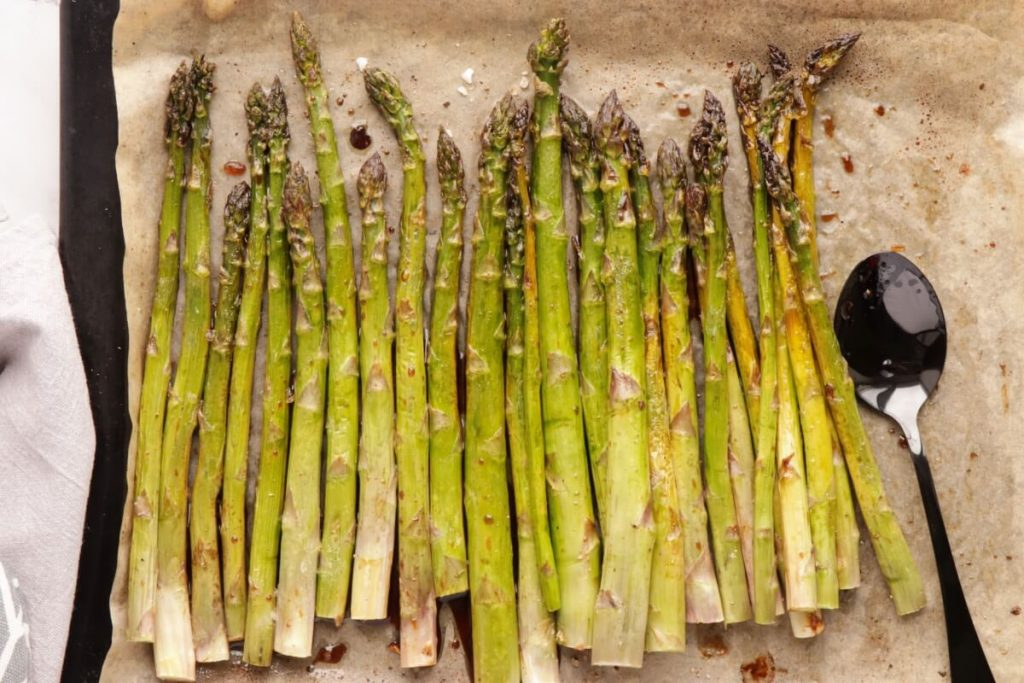 Maple Oven-Roasted Asparagus recipe - step 4
