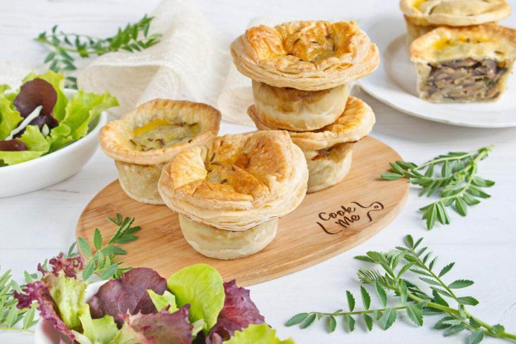 How to serve Mini Creamy Mushroom Pies