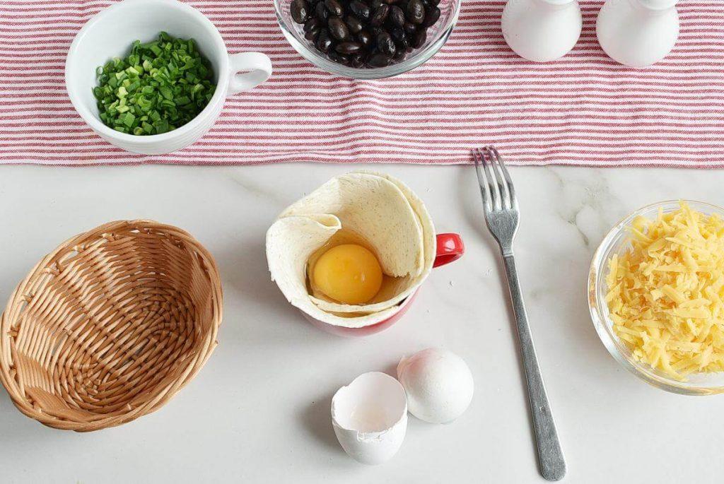 Mugrito: Breakfast Burrito in a Mug recipe - step 2
