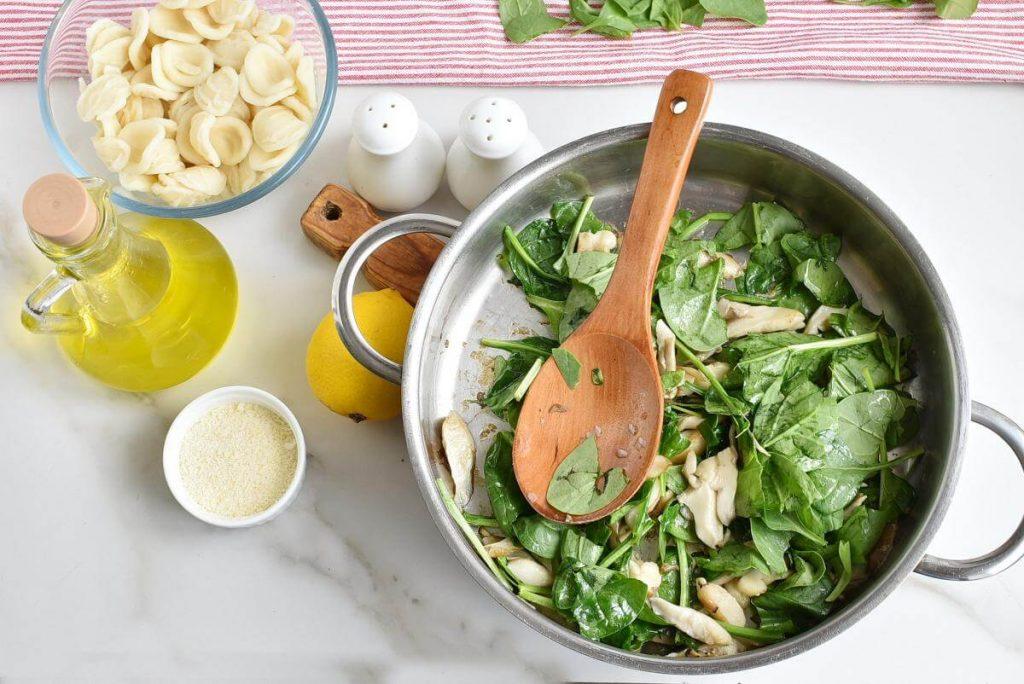 Oyster Mushroom and Spinach Orecchiette recipe - step 3