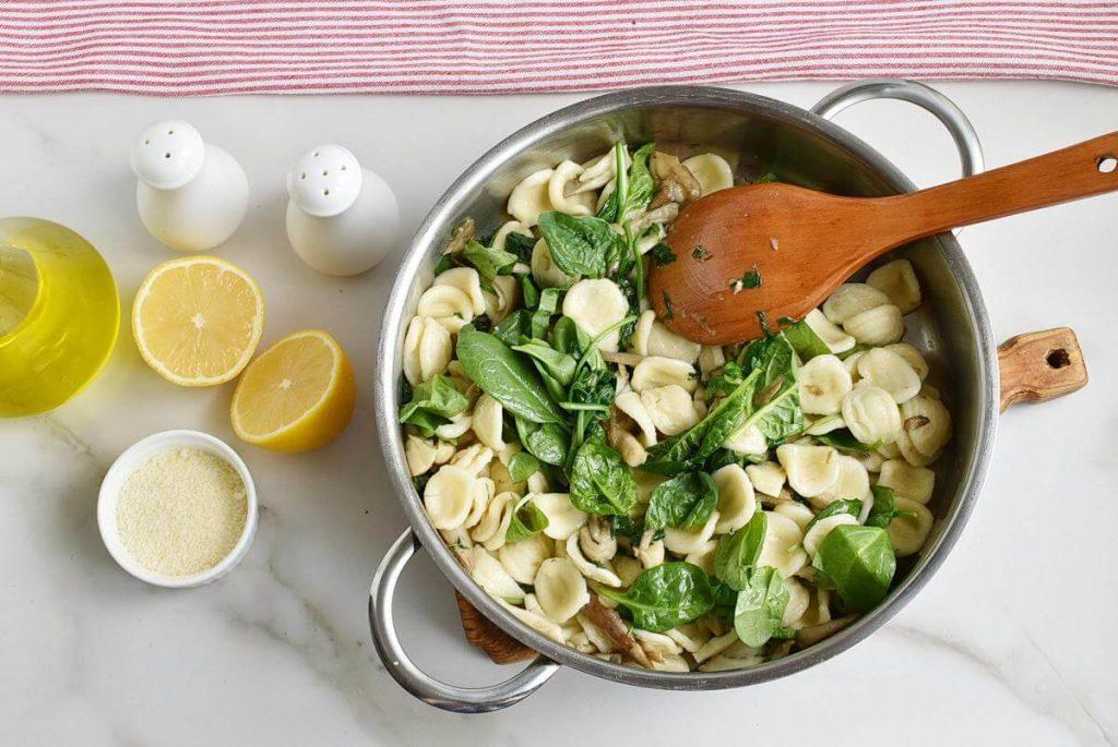Oyster Mushroom and Spinach Orecchiette recipe - step 4
