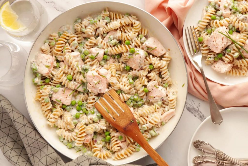How to serve Pasta with Salmon & Peas