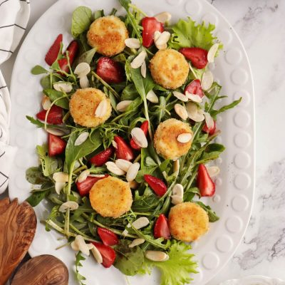 Purslane and Pickled Strawberry Salad Recipe-Pickled Strawberry Salad-Strawberry Goat Cheese Salad