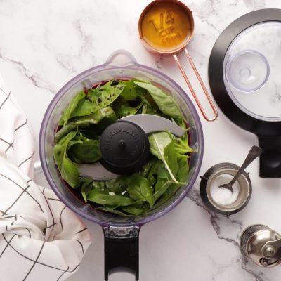 Purslane and Pickled Strawberry Salad recipe - step 2