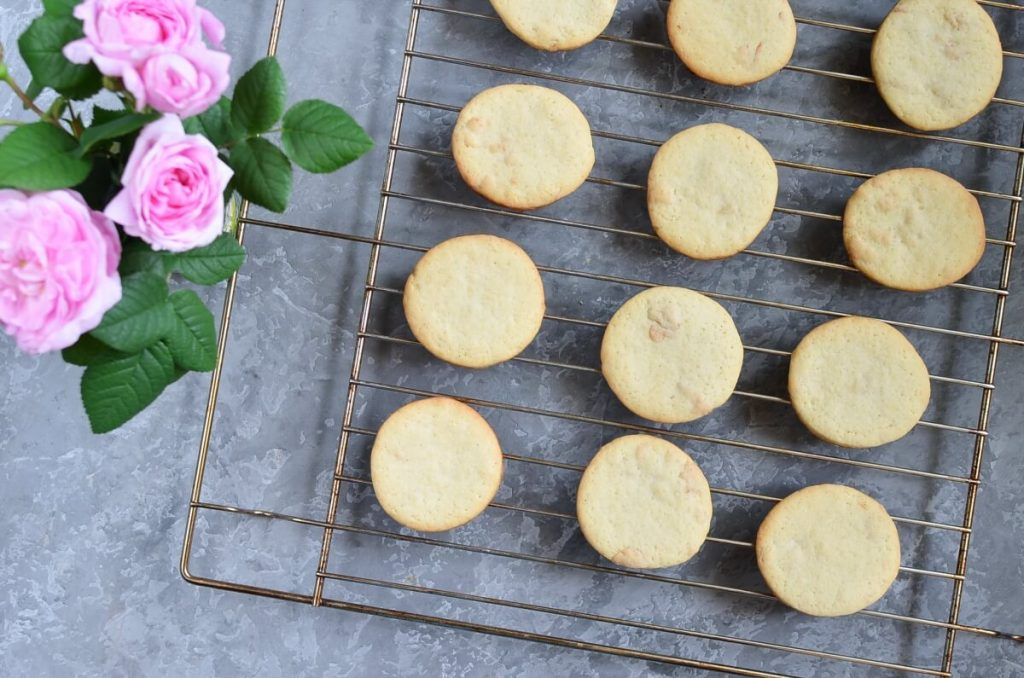 Rose Petal Cookies recipe - step 8