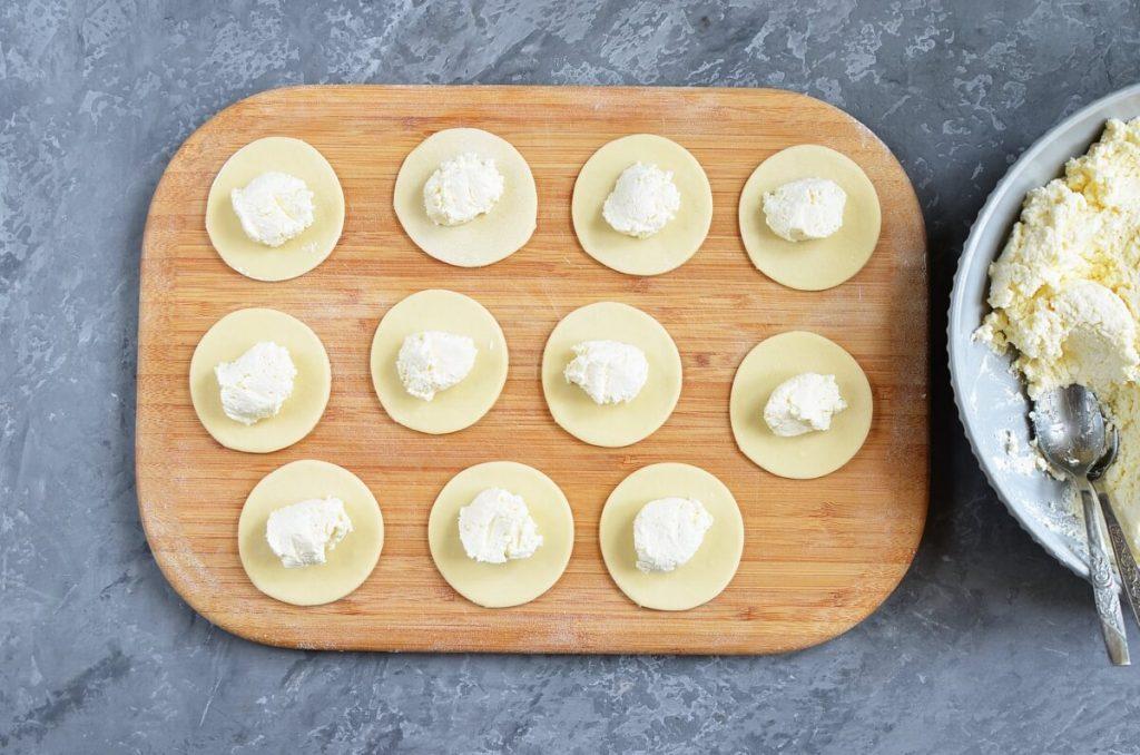 Vareniki with Farmers Cheese recipe - step 5