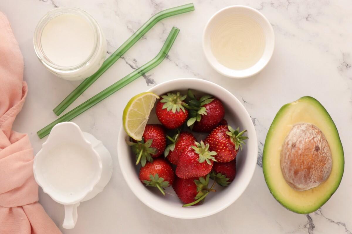 Ingridiens for Avocado & Strawberry Smoothie