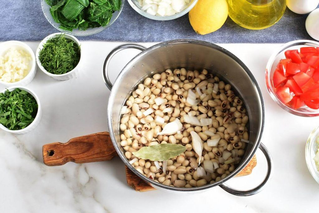 Black-Eyed Peas with Greens recipe - step 2
