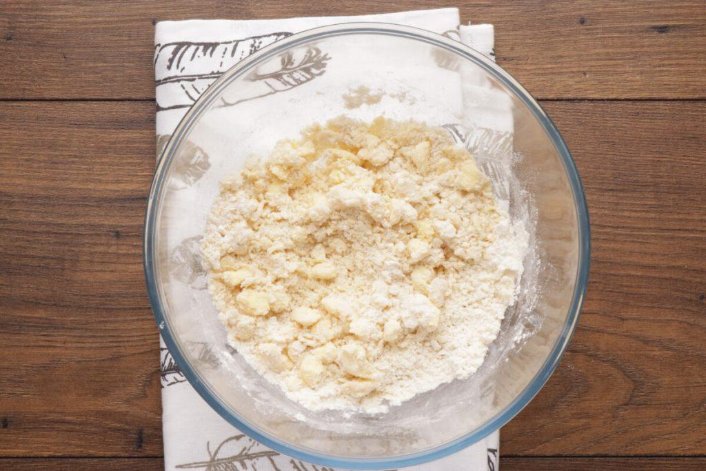 Cherry Vanilla Ricotta Crostata recipe - step 2