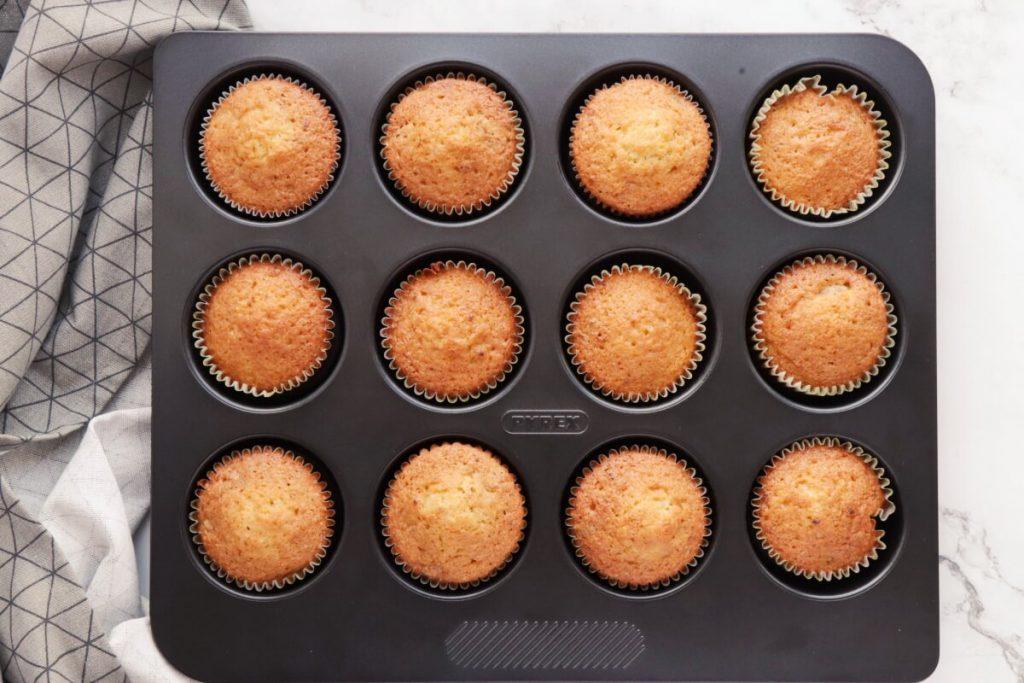 Coffee Cream & Walnut Cupcakes recipe - step 5
