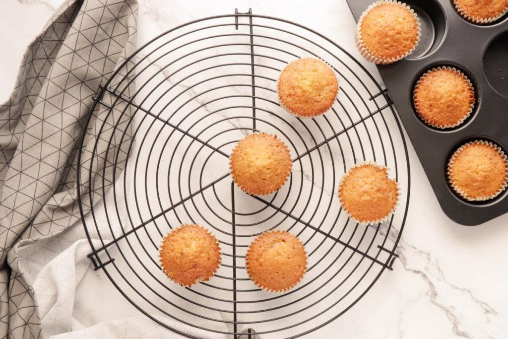 Coffee Cream & Walnut Cupcakes recipe - step 6