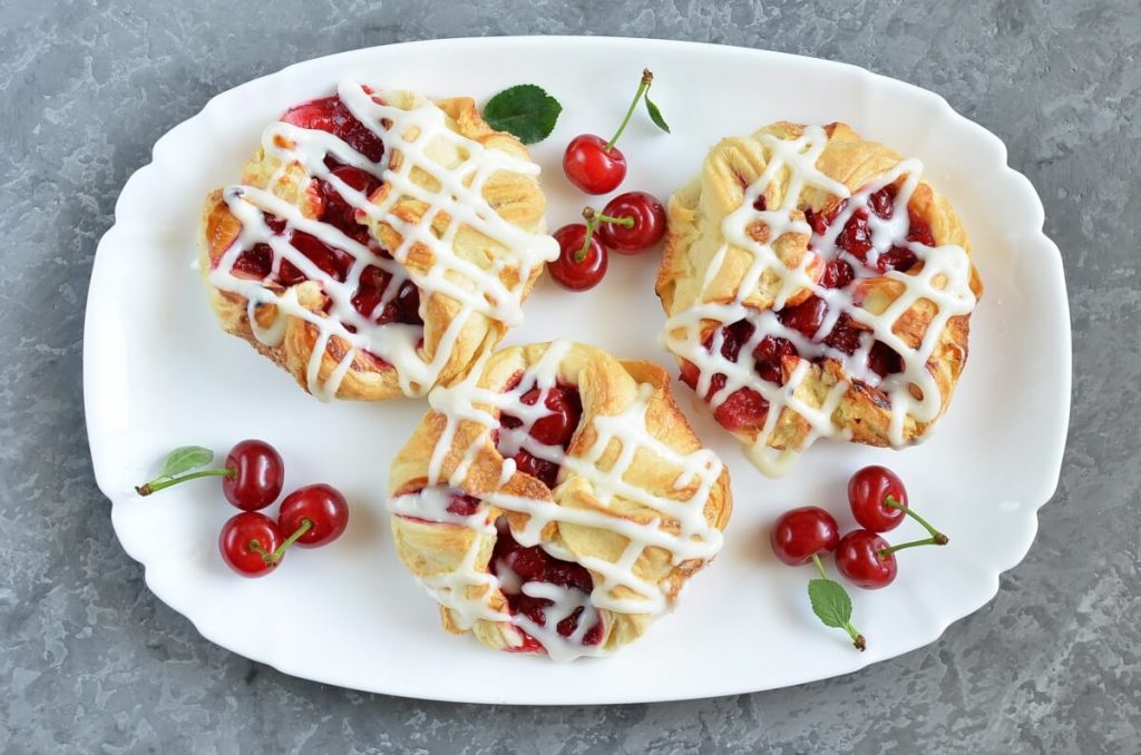 Easy Cherry Turnovers with Puff Pastry recipe - step 10