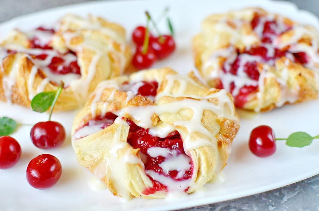 EASY-CHERRY-TURNOVERS-PUFF-PASTRY-Recipe-How-To-Make-EASY-CHERRY-TURNOVERS-WITH-PUFF-PASTRY-Delicious-EASY-CHERRY-TURNOVERS-WITH-PUFF-PASTRY