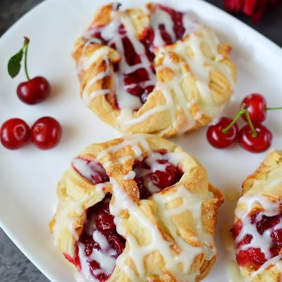 EASY CHERRY TURNOVERS WITH PUFF PASTRY Recipe-How To Make EASY CHERRY TURNOVERS WITH PUFF PASTRY-Delicious EASY CHERRY TURNOVERS WITH PUFF PASTRY