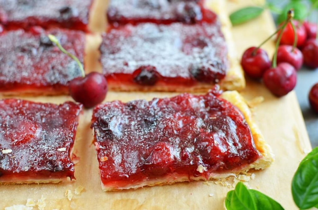 How to serve Easy Cherry Puff Pastry Tart