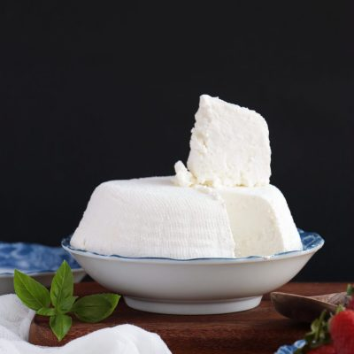 Farmers Cheese with Greek Yogurt (Tvorog) Recipe-Homemade Fresh Farmer's Cheese-Healthy Homemade Quark Cheese
