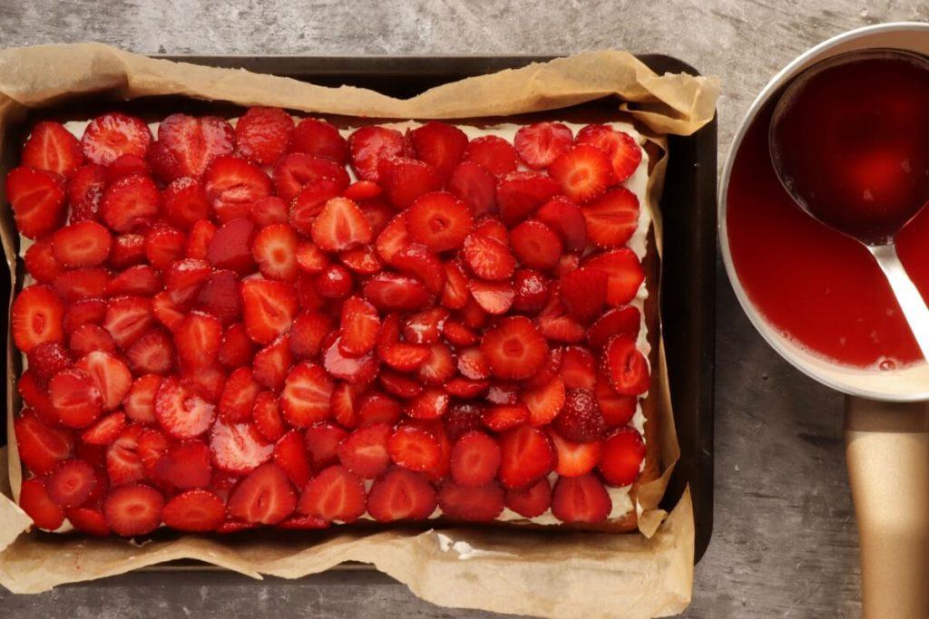 Fresh Strawberry Cake recipe - step 11