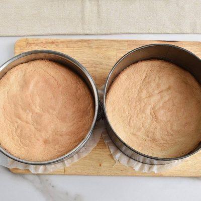 Fruity Sponge Cake recipe - step 7