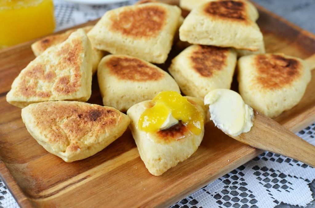 How to serve Griddle Scones with Honey