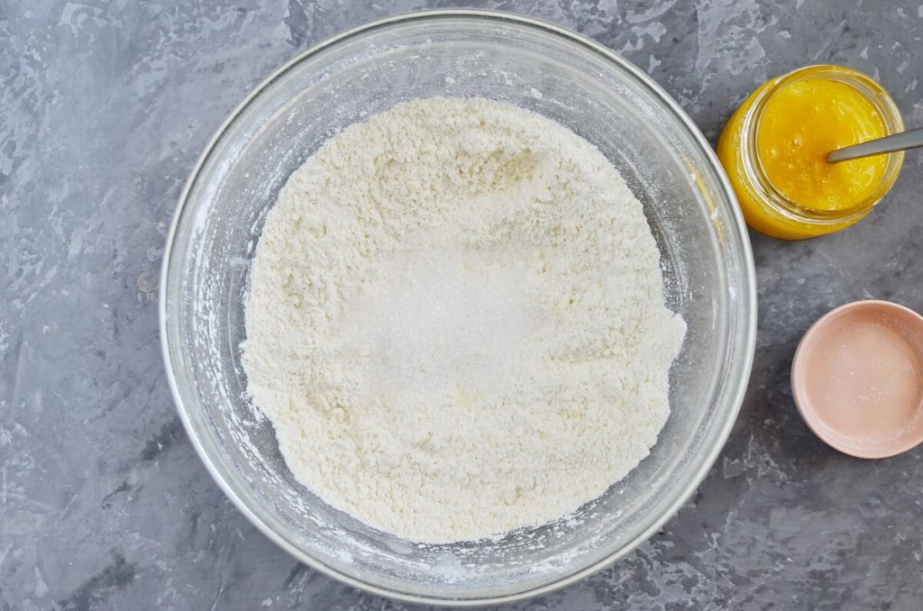 Griddle Scones with Honey recipe - step 2