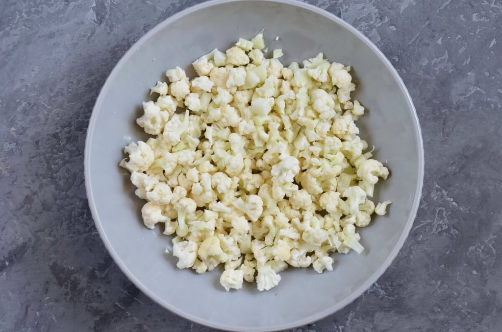 Herby Cauliflower Salad with Chickpeas recipe - step 1