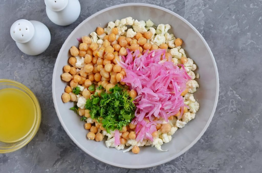 Herby Cauliflower Salad with Chickpeas recipe - step 4