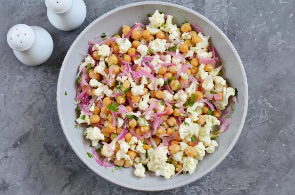 Herby Cauliflower Salad with Chickpeas recipe - step 5