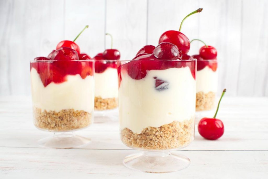 No Bake Cherry Cheesecake recipe - Mini No Bake Cherry Cheesecake - Easy Cherry Cheesecake